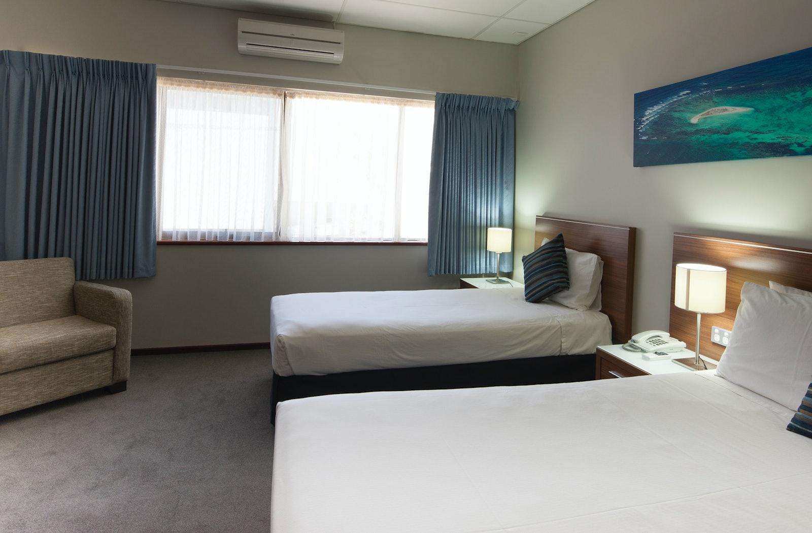 deluxe twin ocean bedroom view ocean centre hotel
