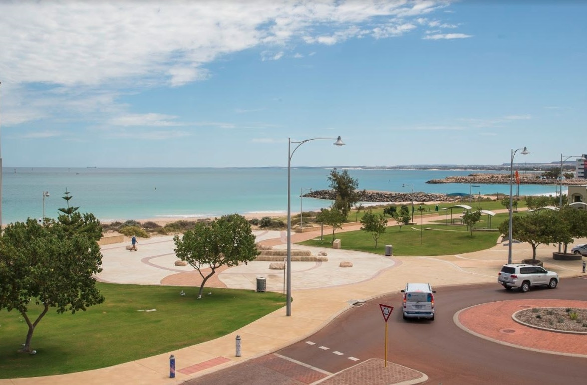 ocean centre hotel geraldton accommodation balcony view