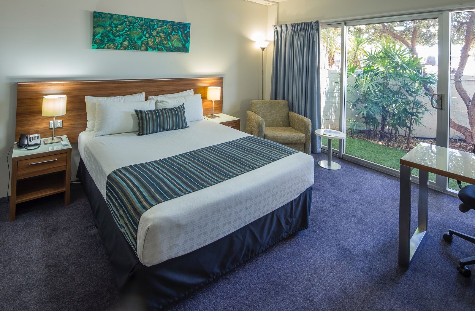 studio room with outside view ocean centre hotel